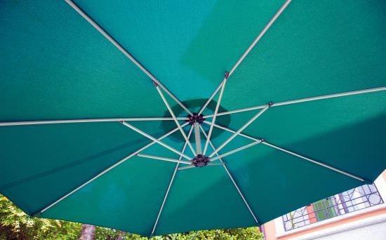 Ombrellone BANANA palo laterale diametro 3,00 telo color VERDE