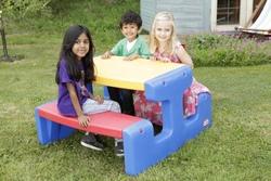 Grande tavolo da giardino per 6 bambini da PIC NIC Multicolore Little Tikes 466800060