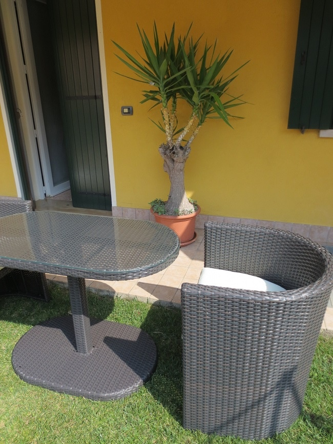 Salotto Da Giardino in Polyrattan col. Marrone mod. TAORMINA M-1 Tavolo + 2 Poltrone 55385