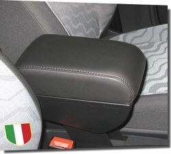Adjustable armrest with storage for Audi A2