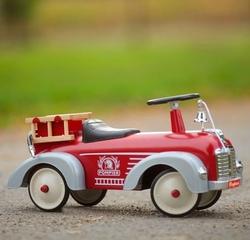 """Cavalcabile in Metallo """"Camion dei Pompieri"""" della Linea Speedsters di Baghera 838"""