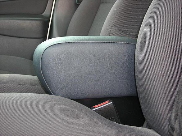 Bracciolo regolabile con portaoggetti per Ford Focus (2002-2004)