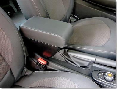 Bracciolo regolabile con portaoggetti per Mini (2014>) F56 / F57 - 3 generazione