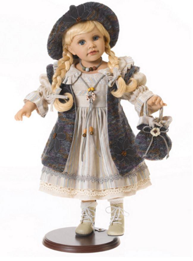 """Bambola da Collezione in Vinile  """"Adele`s Puppenhaus Collection"""", edizione limitata 999 pezzi Natalie Bambina Bionda con Cardigan RF Collection Qualità Made in Germany"""