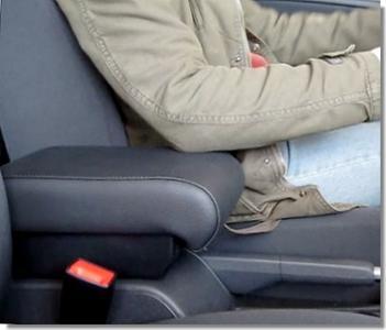 Bracciolo regolabile con portaoggetti per Volkswagen Golf 6