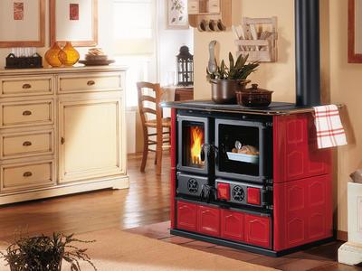 Cucina a Legna LA NORDICA ROSA MAIOLICA Liberty Potenza Termica Nominale 6,5 kW 185 m3 Riscaldabili Colore Bordeaux