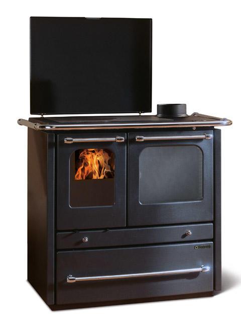 Cucina a legna modello sovrana evo con rivestimento esterno in acciaio porcellanato fianchi a - Stufe a legna nordica opinioni ...