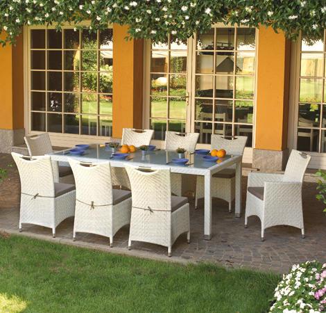 Tavolo e sedie in rattan sintetico dining set djerba - Tavolo vetro temperato opinioni ...