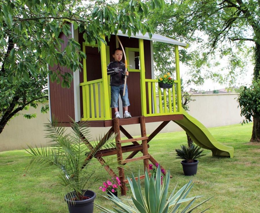 Descrizione casetta da giardino realizzata in legno - Ringhiera giardino ...