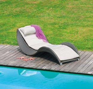 Lettino da giardino piscina prendisole LIMOGES impilabile in fibra wicker color AVANA  CLW59