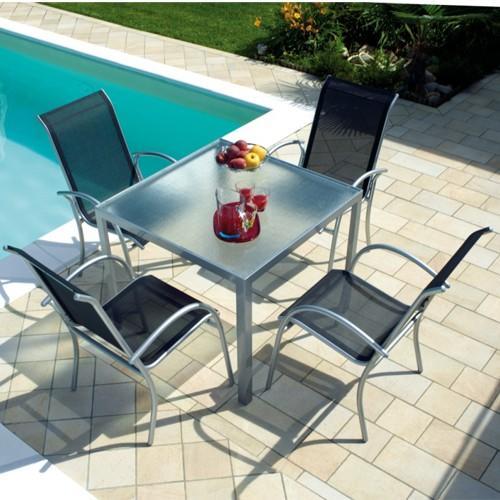 La resistenza e la straordinaria leggerezza dell alluminio sono gli elementi comuni a queste - Tavolo vetro temperato opinioni ...