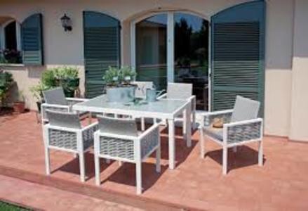 Set da pranzo TAVOLO con 6 sedie DINING SET CATANIA alluminio e rattan e tavolo piano vetro per giardino DS 01