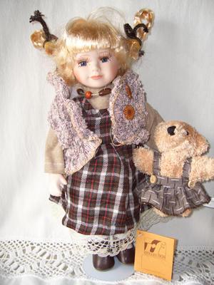 Bambola da Collezione in Porcellana con Capelli Biondi e Trecce RF Collection qualità Made in Germany