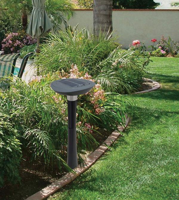 Lampada LED luce ricaricabile da giardino esterno LAWN BRITE INTEX 28689 Luce Solare Per Illuminazione