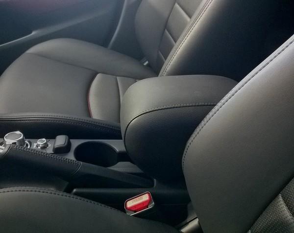 Accoudoir ELEGANT pour Mazda 2 (Série DJ à partir de 2014>)