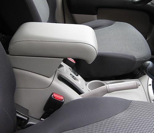 Adjustable armrest for Mitsubishi L200 (from 2006) 4th generation