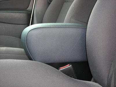 Adjustable armrest with storage for Ford Focus (1997-2001)
