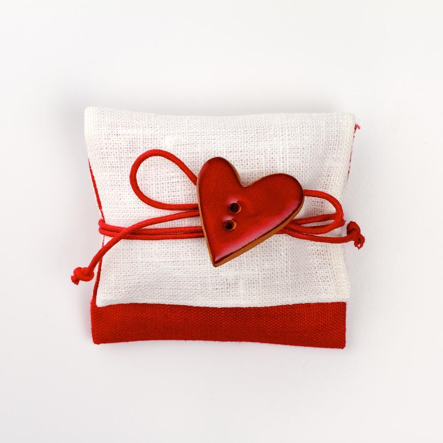 Busta lino rossa con bottone artigianale rosso