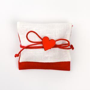 Busta lino rossa con applicazione cuore in legno rosso