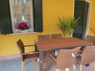 Set da pranzo x giardino da esterno in alluminio e polywood marrone fintolegno DIEGO cm 160x90 con 6 comode Poltrone