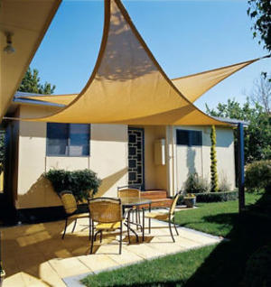 Vela ombreggiante triangolare 5 x 5 x 5 mt 180 gr