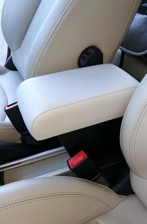 Armrest with storage for Mini Paceman R61