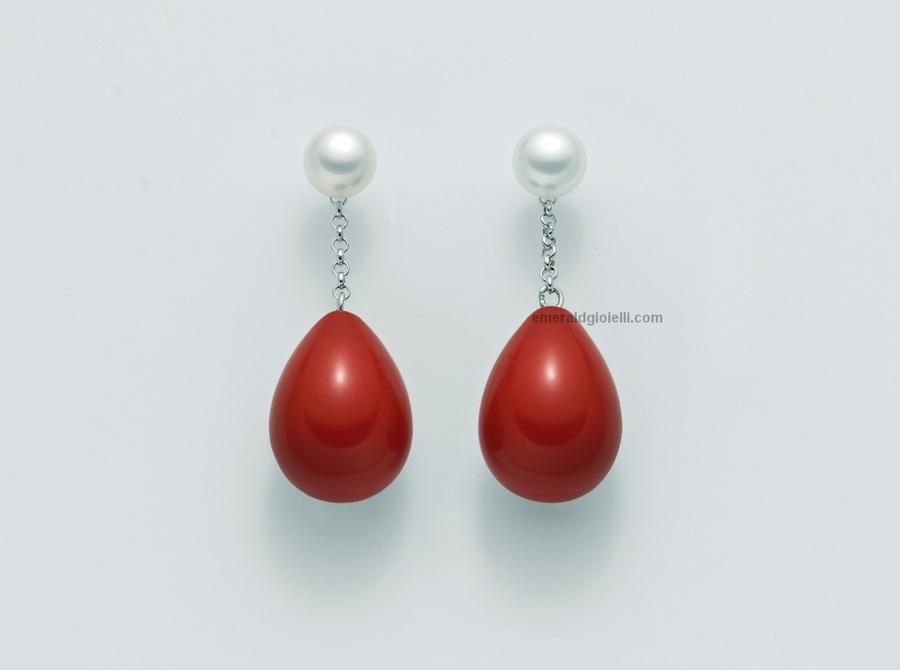 per2250 Orecchini Miluna con perla e sfere color corallo