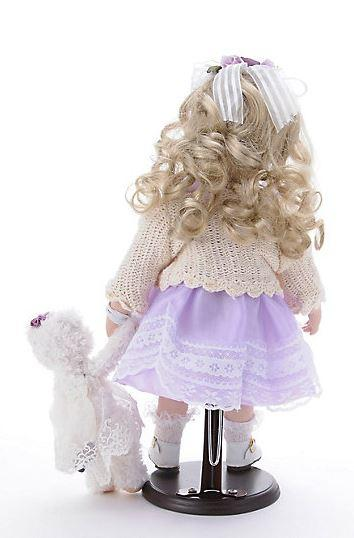 Bambola da Collezione in Porcellana con Vestito Lilla e Orsacchiotto Bianco RF Collection Qualità Made in Germany