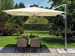 Ombrellone quadrato 3x3 con palo laterale con fusto in alluminio anodizzato e copertura ecrù cod 5044