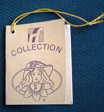 Bambola da Collezione in Porcellana con Vestito Grigio e Bel Fiocco RF Collection Qualità Made in Germany