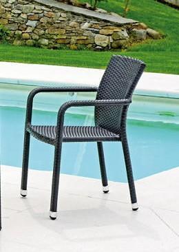Sedie Con Braccioli Da Giardino.La Linearita Del Design Moderno L Estetica Pari A Quella Dei
