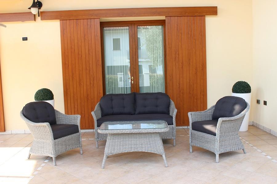 Salotto da giardino in wicker SALOTTO MAIORCAS in alluminio grigio