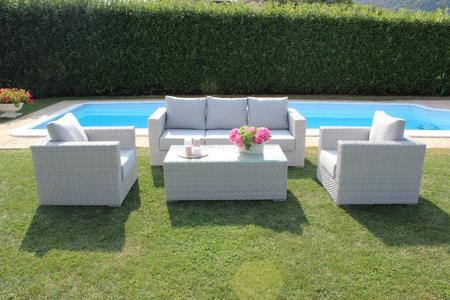 Salotto da giardino in wicker SALOTTO PANAYS divanetto 4 posti 2 poltrone e tavolino in alluminio colore GRIGIO CHIARO