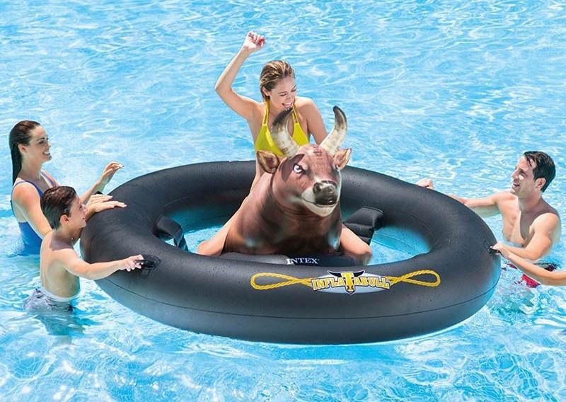 Toro rodeo meccanico x piscine intex 56280 inflatabull da piscina inflatabull - Poltrone gonfiabili per piscina ...