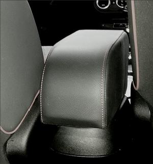 Adjustable ELEGANT armrest for Fiat 500X with colored stitching