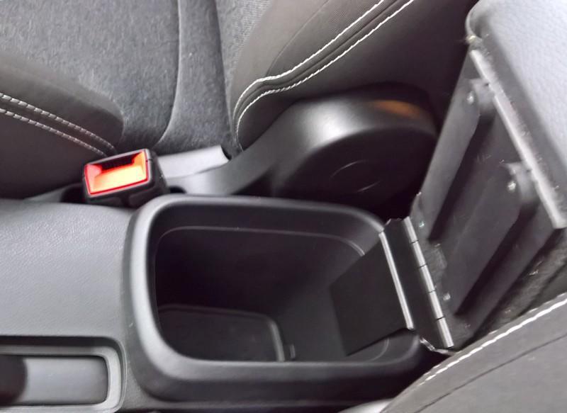 Mittelarmlehne ELEGANT für Fiat 500L (06/2017>) in der Länge verstellbaren