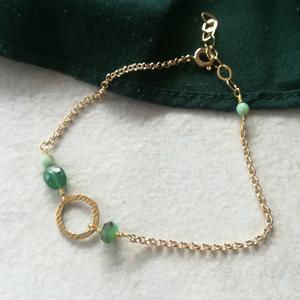Bracciale con ovale in argento lavorato e pietre [+ colori]