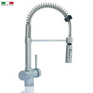 Miscelatore tre vie con doccia estraibile per acqua depurata con due erogatori.