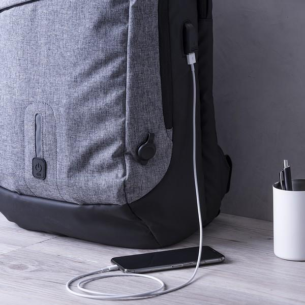 ZAINO CON POWER BANK E SCOMPARTIMENTO PER TABLET E PC PORTATILE 8000 MAH