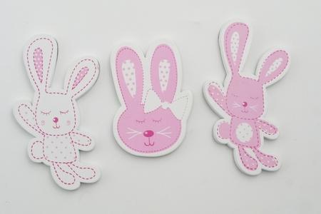 Coniglio rosa a magnete in tre modelli assortiti , linea Cuorematto