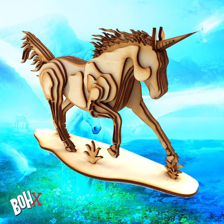 Unicorno in legno intagliato componibile