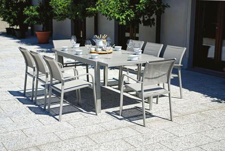 Tavolo in alluminio allungabile 200/300 x 100 cm effetto legno chiaro ZERMATT RTA 30G
