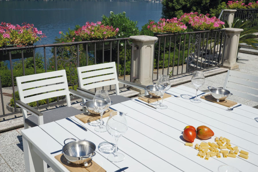 SEDIA da giardino ZOAGLI alluminio bianco impilabile DINING SET IN ALLUMINIO CHA 35