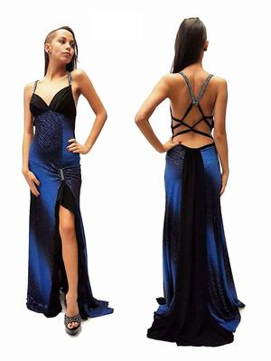 LONG DRESS WITH SPLIT IN AND UNGLUED BACK 4-0095