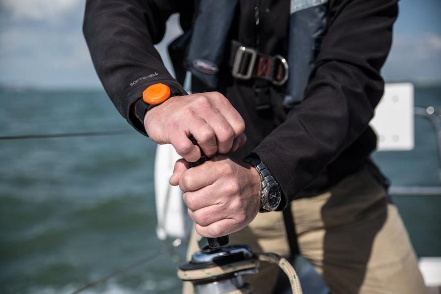 Custodia con 4 Olas Tracker Bluetooth per Smartphone di Exposure Lights - Offerta di Mondo Nautica 24