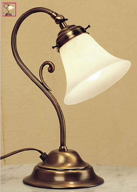 Lampada da Tavolo Classica Etrusco di Febo in Ottone Lavorato con Campana in Vetro Scavo  Vari Colori - Offerta di Mondo Luce 24