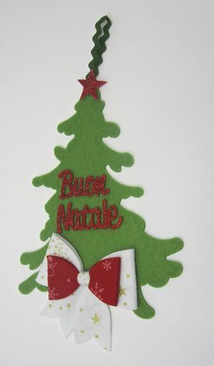 """Albero in feltro, con scritta """" Buon Natale """" e fiocco decorativo"""