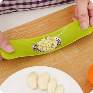 Spremiaglio Sbuccia Schiaccia Aglio Utensile mano Pressa verdure Cucina Cuoco