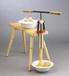 Panca in legno per il fissaggio del torchio pasta bigolaro