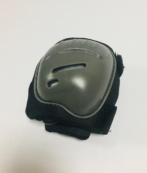 Set di protezione Skate Pattini Bici - Ginocchiere, Gomitiere Parapolsi - Avigo 83175 M 5+ anni